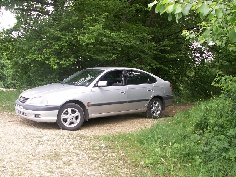 Bergam & ses Avensis PICT0002