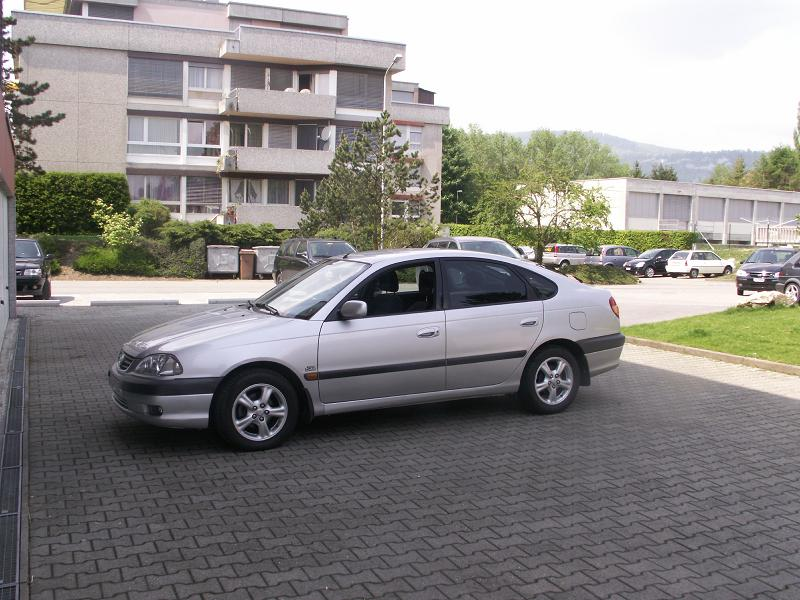 Bergam & ses Avensis PICT0050