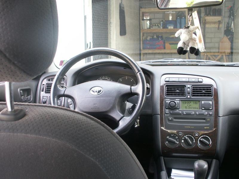 Bergam & ses Avensis PICT0055